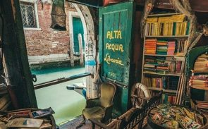 "Libreria Acqua Alta, the ""waterproof"" bookstore"